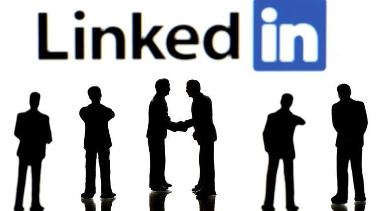 Come personalizzare e migliorare il feed di LinkedIn