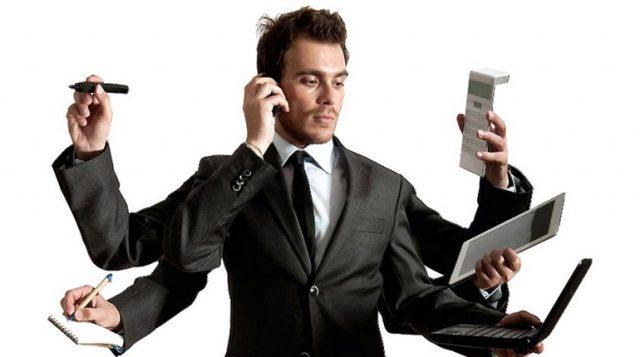 Divenatare Professionisti del web marketing: le 4 caratteristiche da possedere