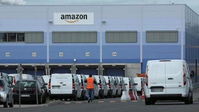 Logistica e consenge a domicilio di Amazon e dell'e-commerce